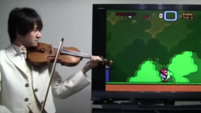 Teppei Okada interpreta las bandas sonoras y los sonidos de los juegos de Snes.