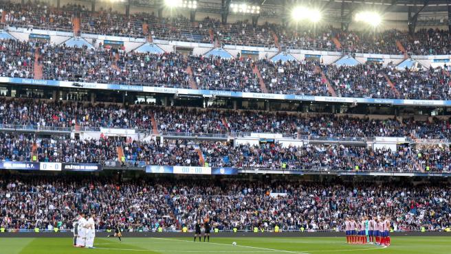 Minuto de silencio en el Real Madrid - Atlético en honor a Kobe Bryant.