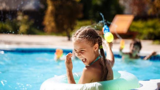 Sorprender a los más pequeños con una fiesta acuática es todo un acierto.