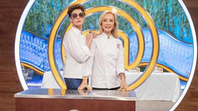 Antonia Dell'Atte y Carmen Lomana, en 'MasterChef 8'.