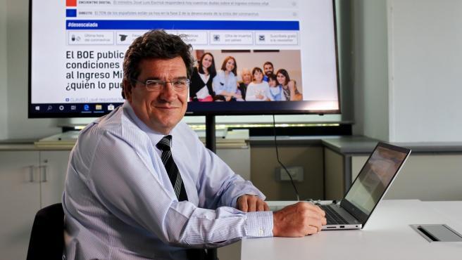 El ministro de Seguridad Social, José Luis Escrivá, durante el encuentro digital en 20minutos.