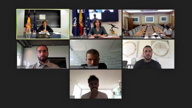 Reunión de representantes del Gobierno con futbolistas.