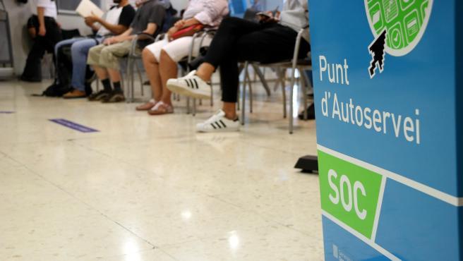 Sala de espera de una oficina del Servei d'Ocupació de Catalunya (SOC).