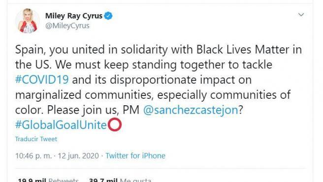 Mensaje publicado por la cantante Miley Cyrus en Twitter en el que se dirige a Pedro Sánchez.