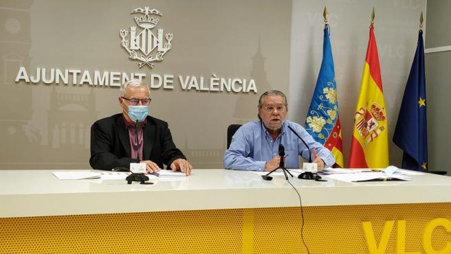 El alcalde de València, Joan Ribó, y el concejal de Hacienda, Ramón Vilar, este miércoles.