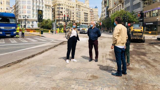 El antiguo pavimento quedó al descubierto en la primera fase de la peatonalización.