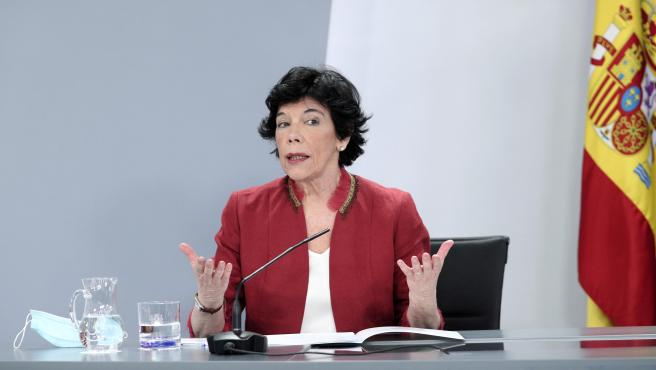 La ministra de Educación y Formación Profesional, Isabel Celaá, interviene durante la comparecencia en rueda de prensa posterior al Consejo de Ministros celebrado en Moncloa, en Madrid (España), a 16 de junio de 2020.