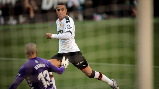 Rodrigo, durante un partido del Valencia