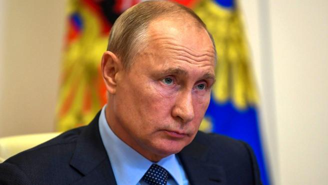 Putin holds meeting with social workers in Moscow