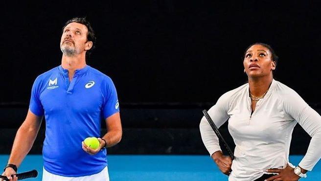 Mouratoglou, junto a Serena Williams durante un entrenamiento.