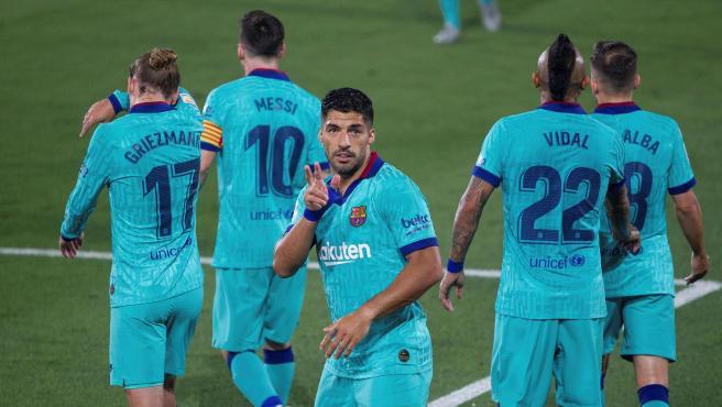 Luis Suárez celebra su gol en el Villarreal - FC Barcelona