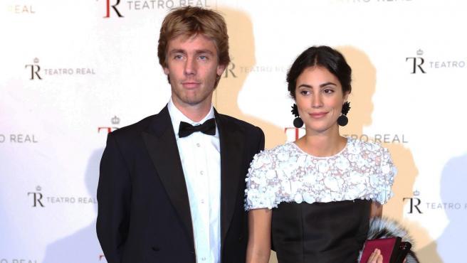 Alessandra de Osma y Christian of Hannover posan juntos en un evento en Madrid.