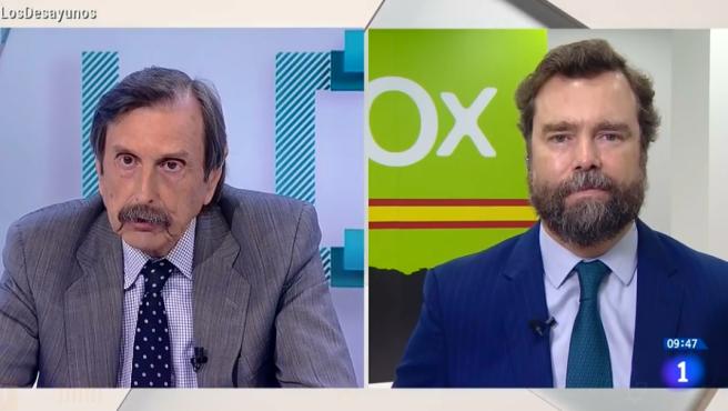 Espinosa de los Monteros aconseja ir al psiquiátrico al periodista Antonio Papell.