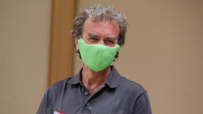 Fernando Simón, con una mascarilla verde.