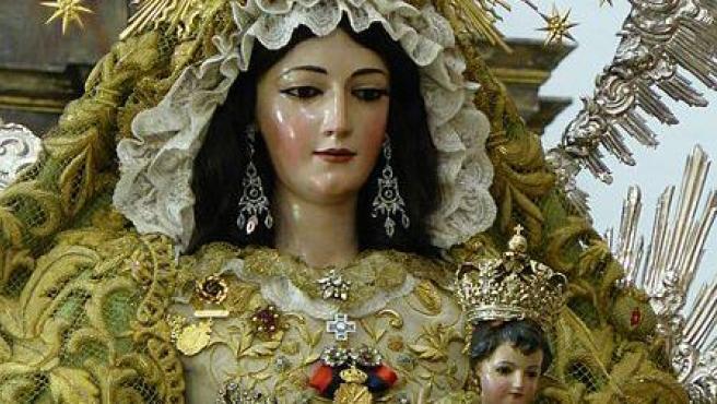 Virgen de la Granada (Patrona de La Puebla del Río - Sevilla) Foto Ezequiel Pedraza Calado Wikimedia Commons
