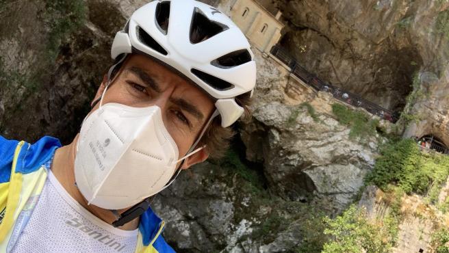 Fernando Alonso, en el santuario de la Virgen de Covadonga