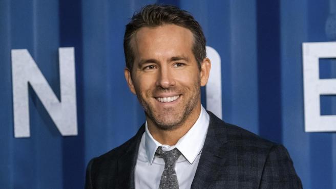 Ryan Reynolds ofrece 5.000 dólares a quién devuelva un oso de ...