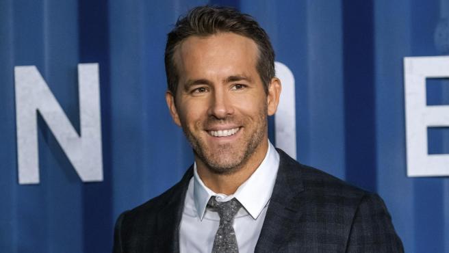Ryan Reynolds ofrece 5.000 dólares a quién devuelva un peluche robado.