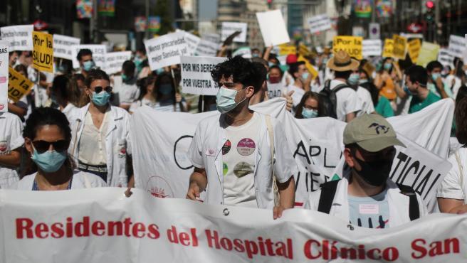 Pancartas reivindicativas en una manifestación de los médicos internos residentes (MIR)