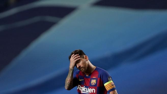 Messi se lamenta tras uno de los goles del Bayern.