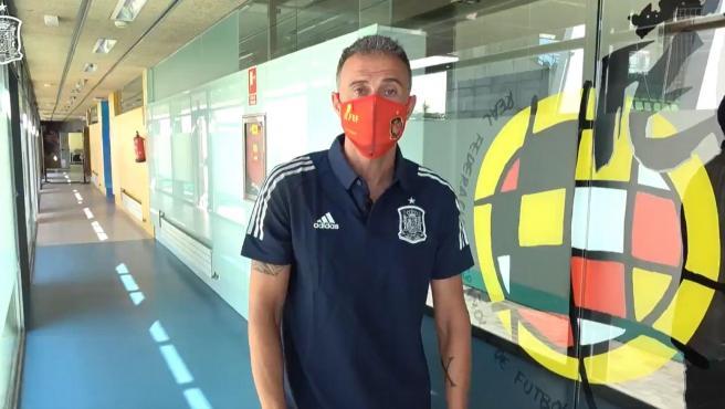 Luis Enrique, con mascarilla