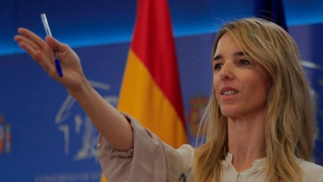 Cayetana Álvarez de Toledo se queda: