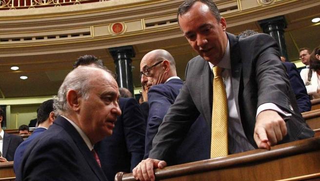 Jorge Fernández Díaz y Francisco Martínez en el Congreso de los Diputados