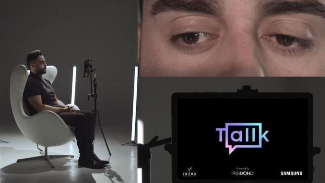 La tecnología de Tallk utiliza la cámara de la tablet para localizar el iris usando patrones faciales del usuario.