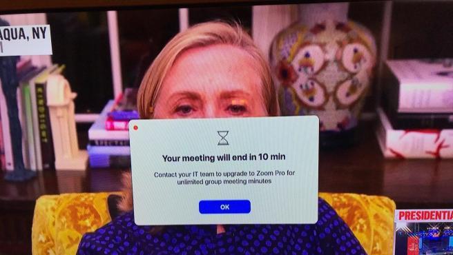 Hillary Clinton en una reunión de Zoom.