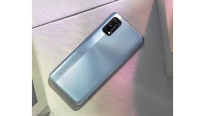Imagen del Realme 7 Pro en color Espejo Plateado
