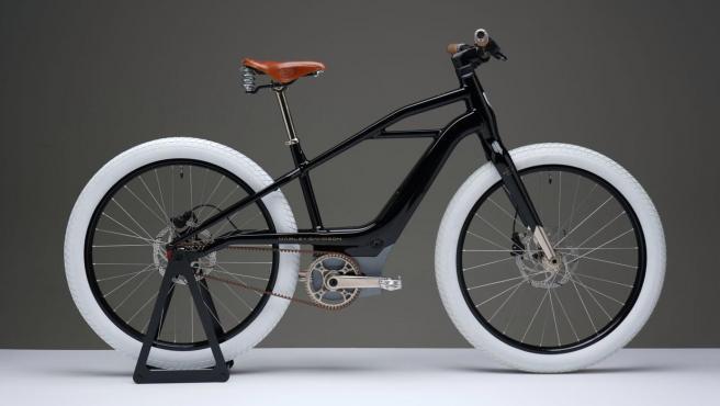 Serial 1 eBicycles se inspira en el diseño de la primera moto de la marca.