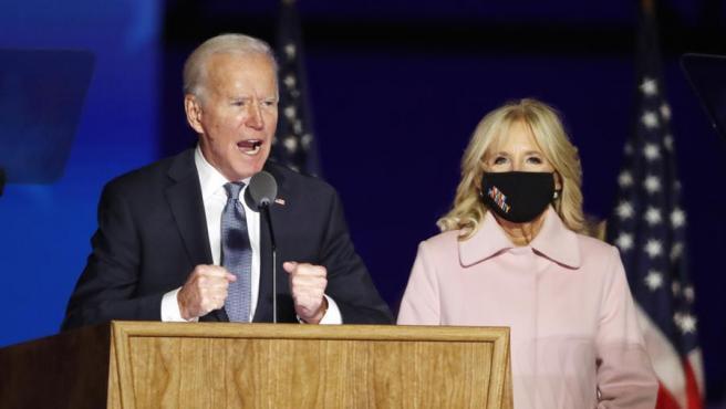 El candidato demócrata, Joe Biden, junto a su mujer, Jill Biden.
