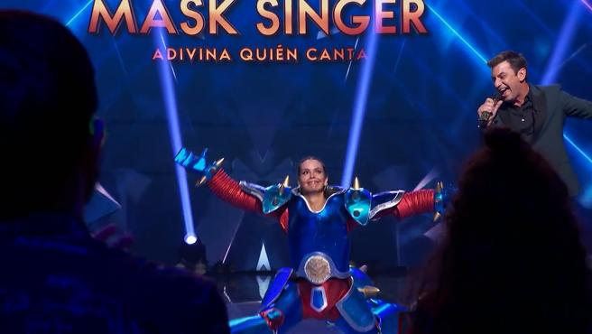 Cristina Pedroche y Arturo Valls, en 'Mask Singer'.
