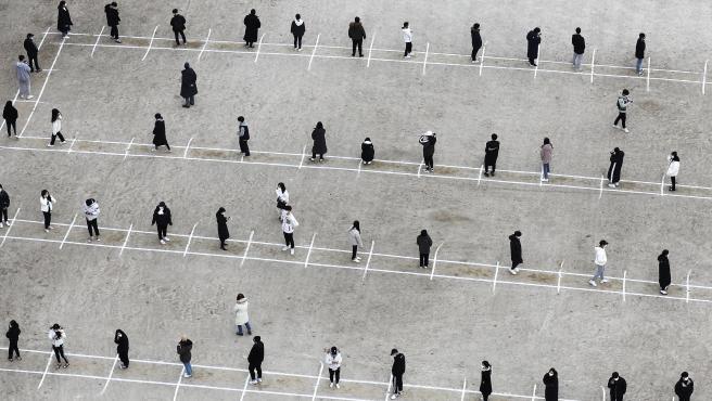 Vista aérea de un cribado en un instituto de Senjong, en Corea del Sur
