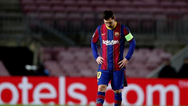 Messi, cabizbajo durante la derrota contra la Juve