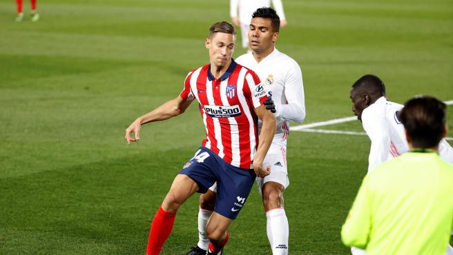Llorente y Casemiro, durante el Real Madrid - Atlético