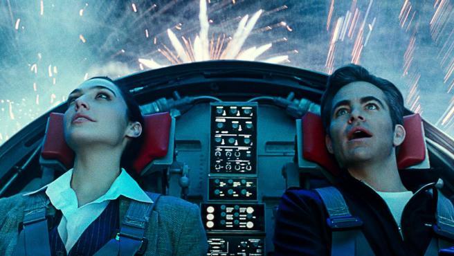Gal Gadot y Chris Pine en 'Wonder Woman 1984'