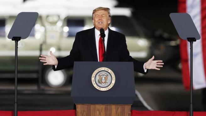 El presidente saliente de EE UU, Donald Trump, durante un mitin en Dalton, Georgia, el 4 de enero de 2021.