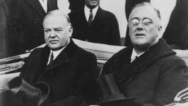Traspaso de poderes entre Herbert Hoover (izda.) y F. D. Roosevelt (dcha.) en 1933.