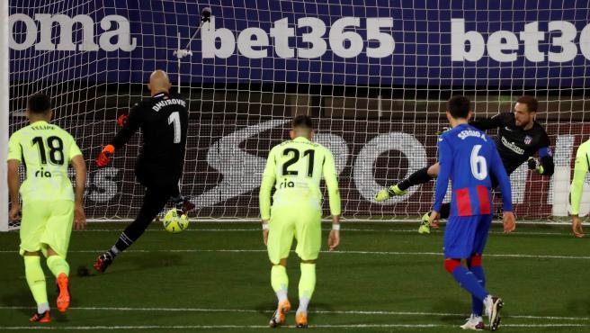 Gol de Dmitrovic contra el Atlético