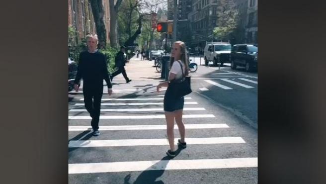 McCartney aparece en la fotografía de la joven.