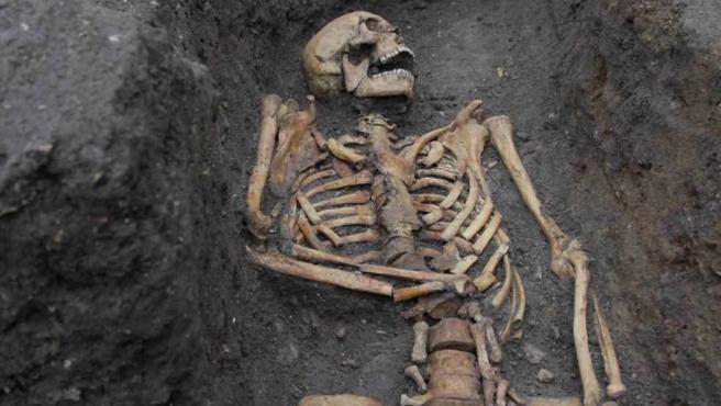 Restos humanos medievales excavados en Cambridge para el estudio