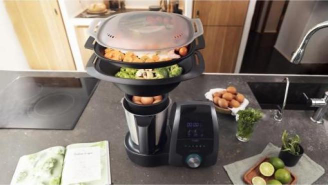 Imagen del robot de cocina Mambo 8590, a la venta en Carrefour.