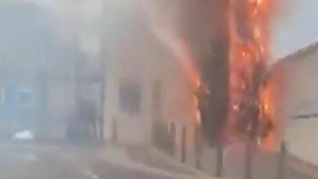 Ciudad Deportiva del Olympique de Marsella, en llamas