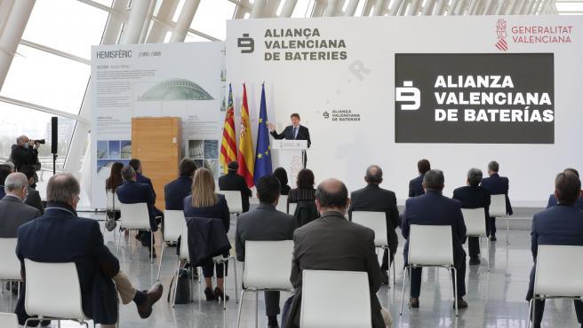 Ximo Puig, este miércoles, en la presentación de la Alianza Valenciana de Baterías.