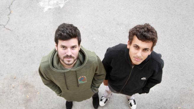 Willy Bárcenas (izda) y Txon Carreño posan para '20minutos'.