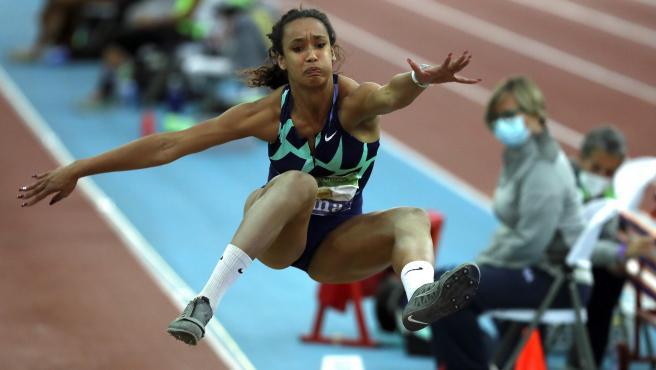 María Vicente, en un salto