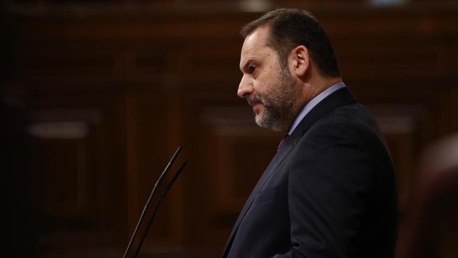 El ministro de Transportes, Movilidad y Agenda Urbana, José Luis Ábalos, interviene durante una sesión plenaria celebrada en el Congreso de los Diputados, en Madrid, (España), a 28 de enero de 2021.