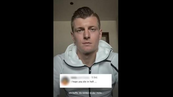 """Kroos muestra una de las menciones que ha recibido: """"Espero que mueras en el infierno"""""""