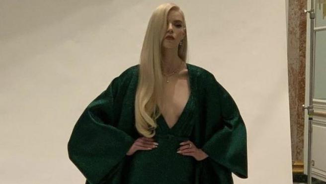 Anya Taylor-Joy vestida de Dior